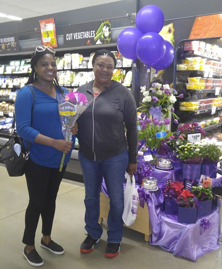 Store #2311 Celebrates International Women's Day By Giving The Women Of Odenton, MD, Free Bouquets Of Flowers!