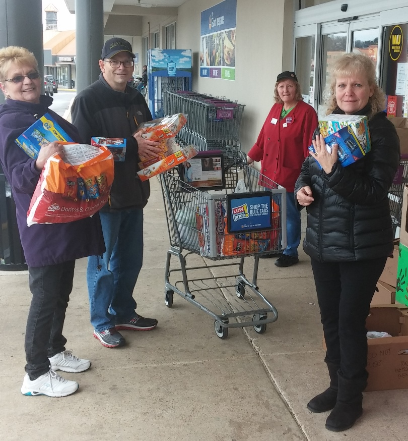 The Odenton, MD, Giant Collected Food, Clothes And Other Items For Local Children And Homeless People